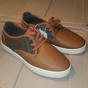 New! Cat&jack boys brown dress shoes..
